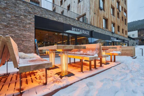 Infra topení Après-Ski baru u Svatého Vavřince
